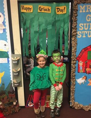 Gockley Students on Grinch Day